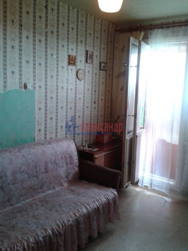 2-комнатная квартира (55м2) на продажу по адресу Петергоф г., Шахматова ул., 16— фото 2 из 10