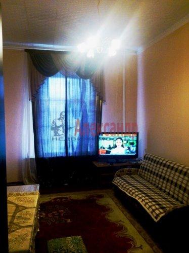 Комната в 12-комнатной квартире (220м2) на продажу по адресу Московский просп., 138— фото 1 из 6