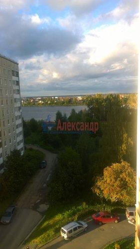 2-комнатная квартира (60м2) на продажу по адресу Шлиссельбургский пр., 36— фото 2 из 3