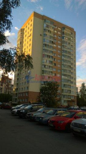 2-комнатная квартира (60м2) на продажу по адресу Шлиссельбургский пр., 36— фото 1 из 3