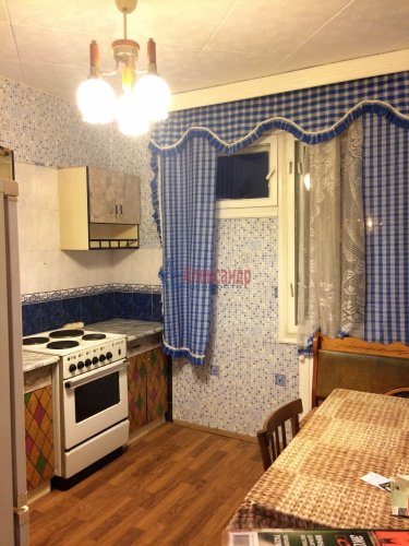 3-комнатная квартира (67м2) на продажу по адресу Камышовая ул., 56— фото 1 из 13