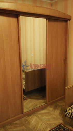 3-комнатная квартира (72м2) на продажу по адресу Обуховской Обороны пр., 144— фото 6 из 11