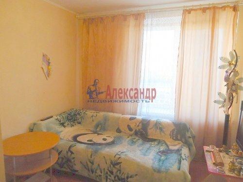 4-комнатная квартира (64м2) на продажу по адресу Славы пр., 12— фото 7 из 13