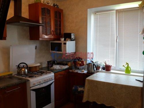 1-комнатная квартира (40м2) на продажу по адресу Гатчина г., Авиатриссы Зверевой ул., 7б— фото 3 из 8