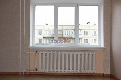 Комната в 8-комнатной квартире (114м2) на продажу по адресу Серебристый бул., 13— фото 2 из 11