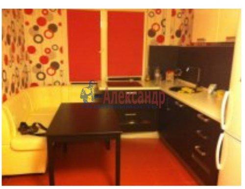 2-комнатная квартира (51м2) на продажу по адресу Малое Карлино дер., Пушкинское шос., 24— фото 1 из 8