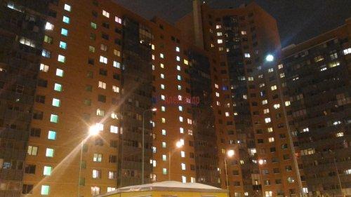 1-комнатная квартира (38м2) на продажу по адресу Мурино пос., Привокзальная пл., 1— фото 3 из 9