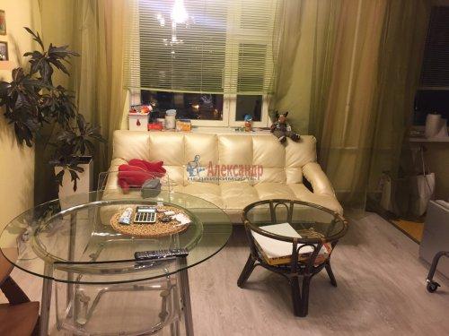 2-комнатная квартира (60м2) на продажу по адресу Пятилеток пр., 9— фото 3 из 19