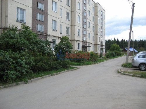 3-комнатная квартира (72м2) на продажу по адресу Лесогорский пгт.— фото 1 из 12