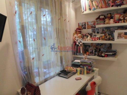 2-комнатная квартира (43м2) на продажу по адресу Павловск г., Гуммолосаровская ул., 25— фото 5 из 7