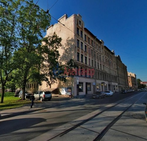 2-комнатная квартира (63м2) на продажу по адресу Кондратьевский пр., 32— фото 1 из 18
