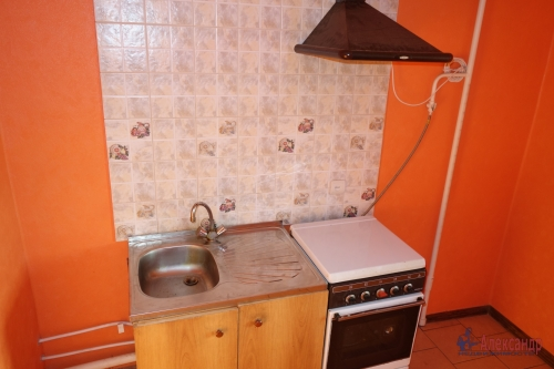 2-комнатная квартира (49м2) на продажу по адресу Металлострой пос., Богайчука ул., 24— фото 14 из 22