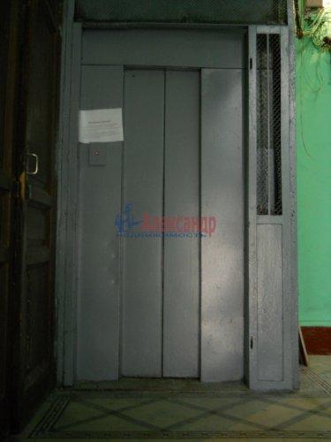 Комната в 9-комнатной квартире (240м2) на продажу по адресу Мытнинская ул., 9— фото 15 из 20