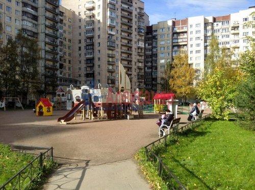 3-комнатная квартира (72м2) на продажу по адресу Коллонтай ул., 23— фото 4 из 8