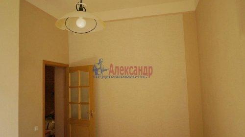 2-комнатная квартира (120м2) на продажу по адресу 5 линия В.О., 34— фото 16 из 24