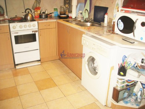 3-комнатная квартира (63м2) на продажу по адресу Искровский пр., 1— фото 1 из 14