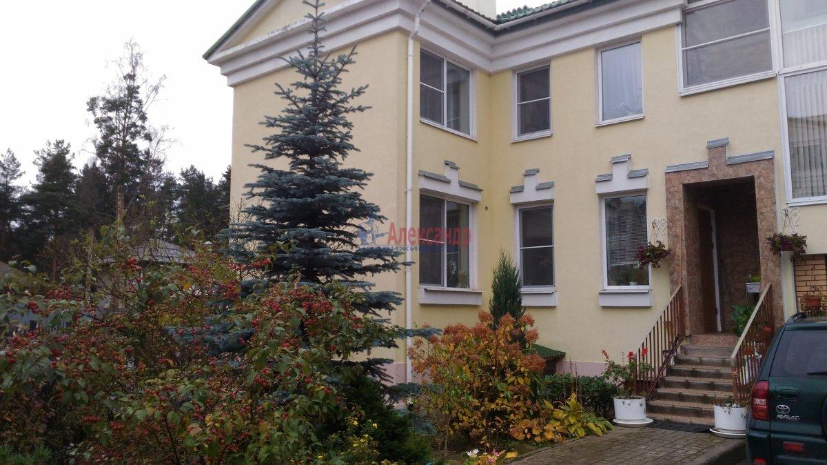 Таун-хаус (200м2) на продажу — фото 1 из 2