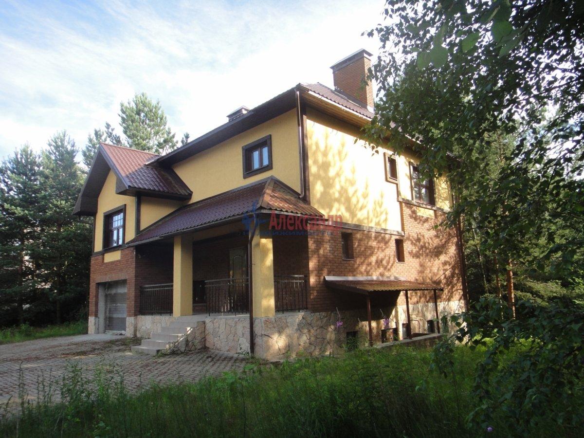 Жилой дом (302м2) на продажу — фото 1 из 12