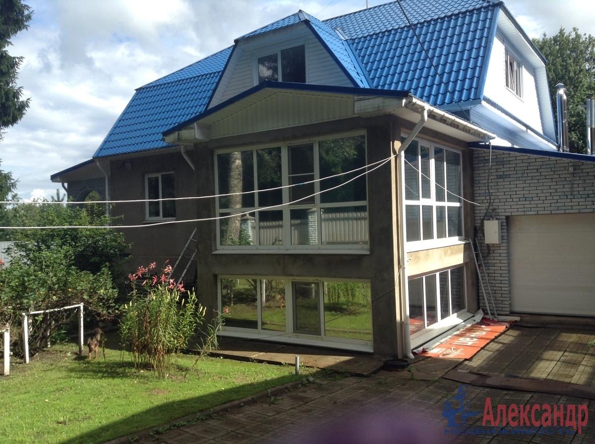Жилой дом (404м2) на продажу — фото 1 из 12